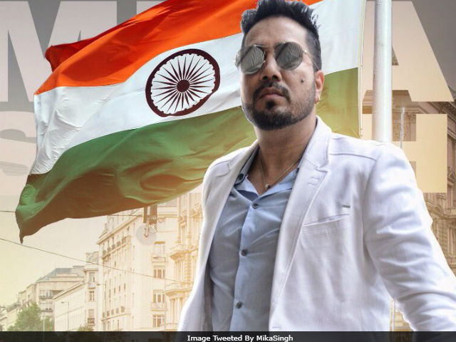"""INDIAN SINGER DRAWS FURY FOR CALLING """"OUR PAKISTAN"""""""
