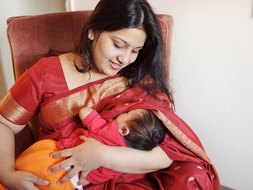 Breast feeding in Public – Really? RIMLI BHTTACHARYA