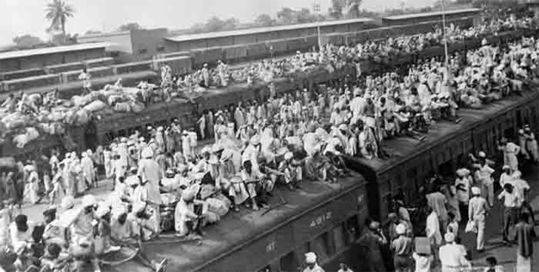 Muslim refugees fleeing to Pakistan